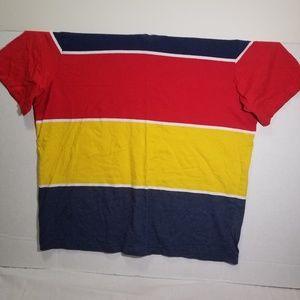 Men's Rocawear v neck T- shirt